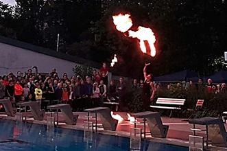 0cJEIwYH_Feuershow.jpg